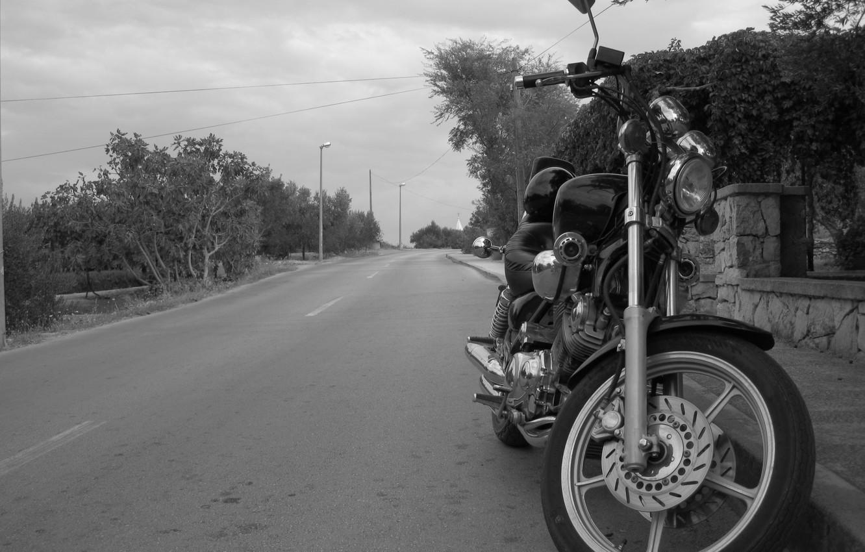 Фото обои черно-белая, Дорога, Мотоцикл