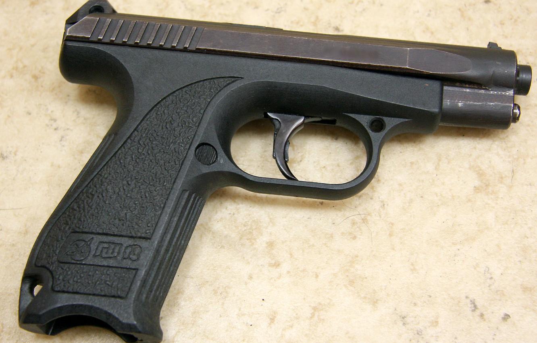 Фото обои пистолет, данные, gun, удобный, background, macro, fly, close, weapons, Российский, cover, разработка, показатели, калибр, ammo, …