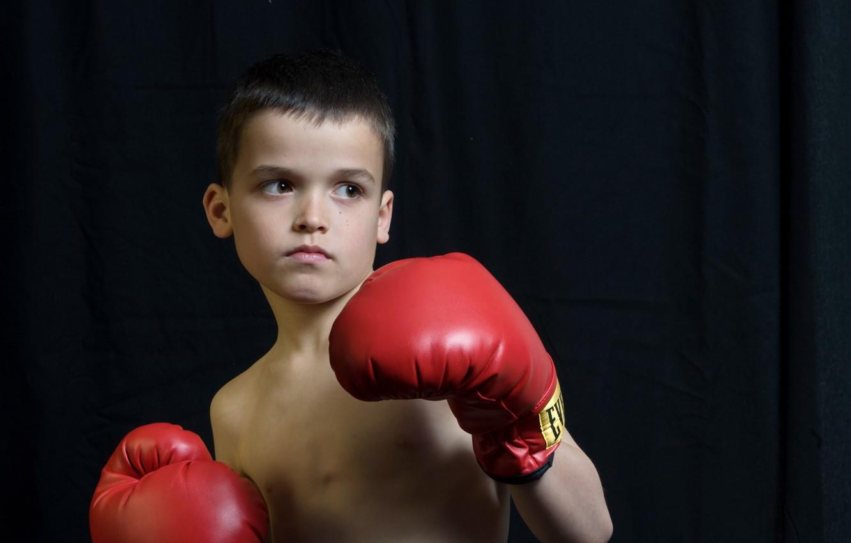 Фото обои взгляд, мальчик, перчатки, боксёр