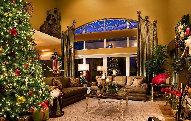 Фото обои украшения, дизайн, стиль, отражение, комната, мебель, елка, интерьер, свечи, окно, Рождество, подарки, Новый год, Санта, …