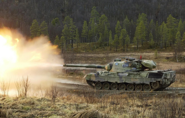 Фото обои танк, залп, Leopard1