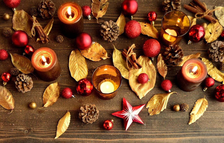 Фото обои листья, шарики, палочки, свечи, Новый Год, Рождество, красные, корица, Christmas, шишки, золотые, праздники, New Year