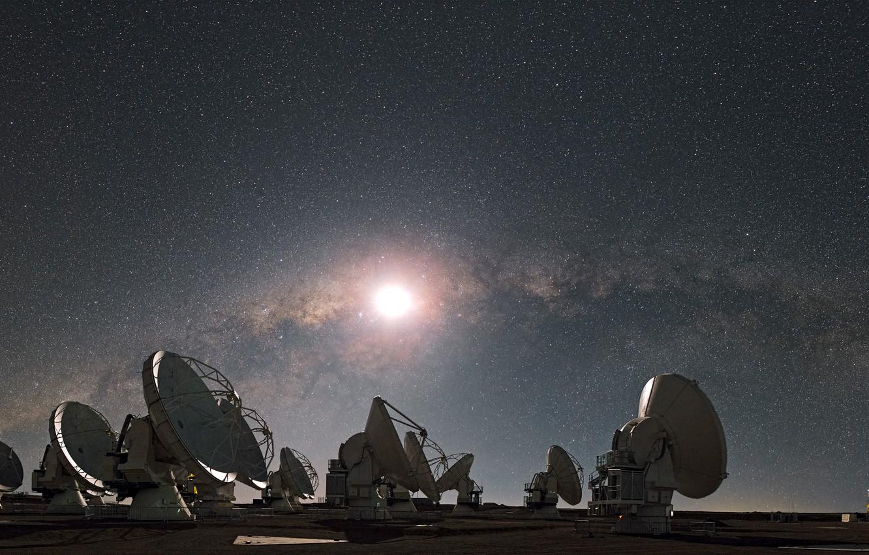 Фото обои звезды, Луна, Млечный путь, радиотелескоп