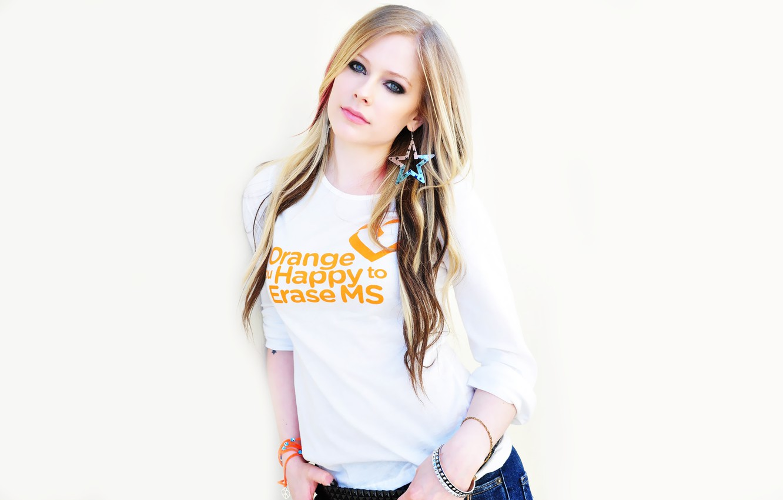 Фото обои Музыка, Avril Lavigne, Певица, Белый Фон