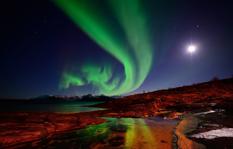 Фото обои небо, острова, звезды, горы, ночь, луна, северное сияние, Норвегия
