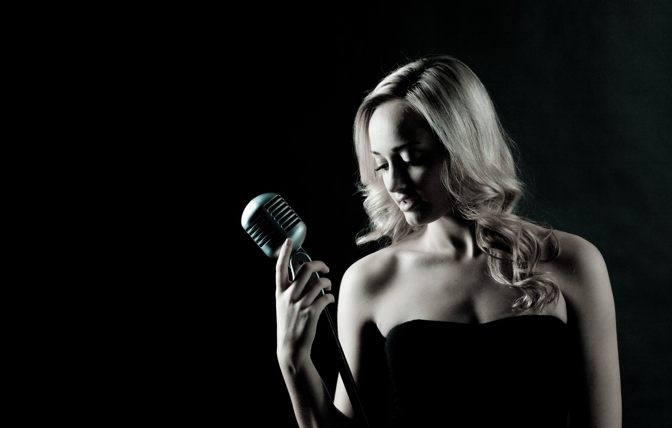 Фото обои music, woman, microphone, singer