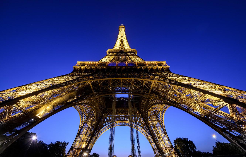 Фото обои город, Франция, Париж, вечер, освещение, Эйфелева башня, Paris, France, Eiffel Tower, La tour Eiffel