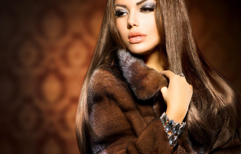 Фото обои взгляд, девушка, макияж, кольцо, шуба, украшение, Анна Субботина