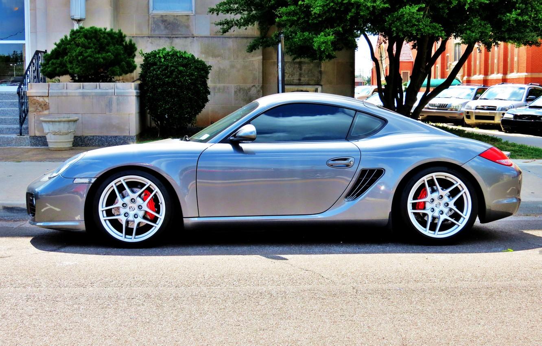 Фото обои улица, тюнинг, серебро, парковка, спорткар, автомобиль, диски, Porsche Cayman