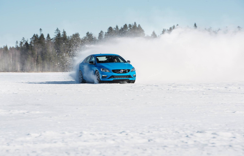 Фото обои снег, деревья, голубой, тень, занос, седан, s60, volvo, вольво, polestar, с60