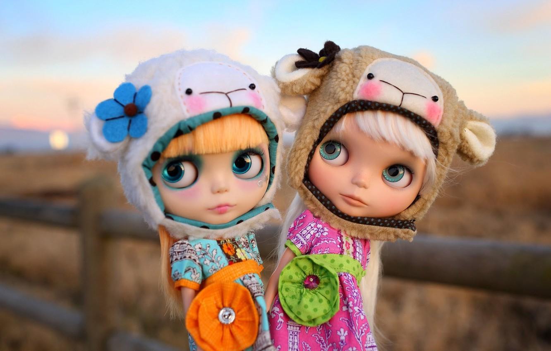 Фото обои природа, девочки, игрушки, куклы, шапки