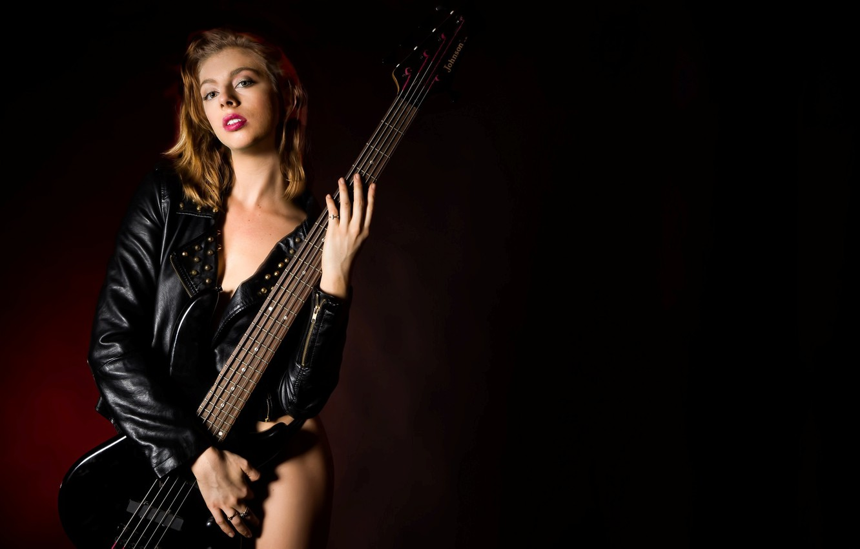 Фото обои девушка, музыка, бас-гитара