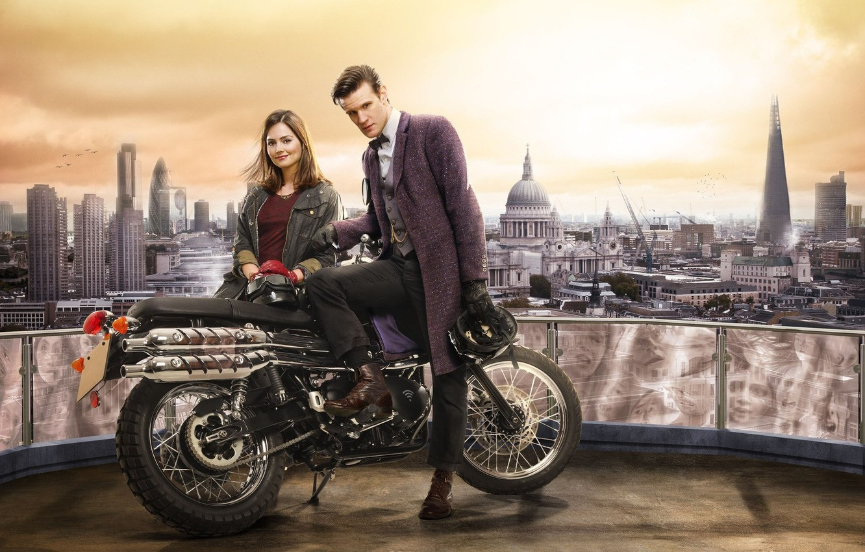 Фото обои Лондон, мотоцикл, Doctor Who, Доктор Кто, Мэтт Смит, Matt Smith, Jenna-Louise Coleman, Дженна-Луиза Коулман