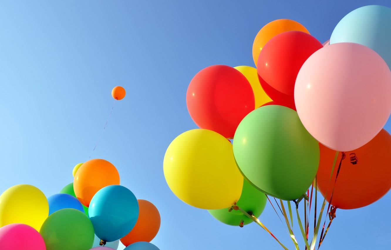 Фото обои небо, праздник, шары, разноцветные