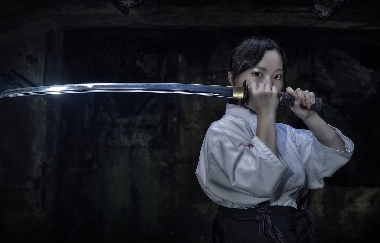 Фото обои взгляд, девушка, оружие, катана, кимоно, азиатка