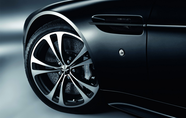 Фото обои Aston Martin, черный, колесо