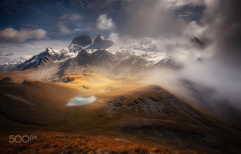 Фото обои облака, горы, туман, озеро, скалы, долина