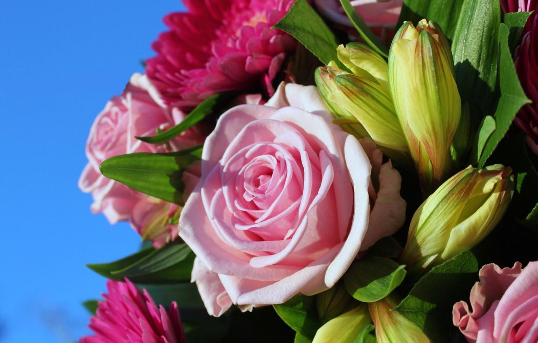 Фото обои цветы, лилии, розы, букет