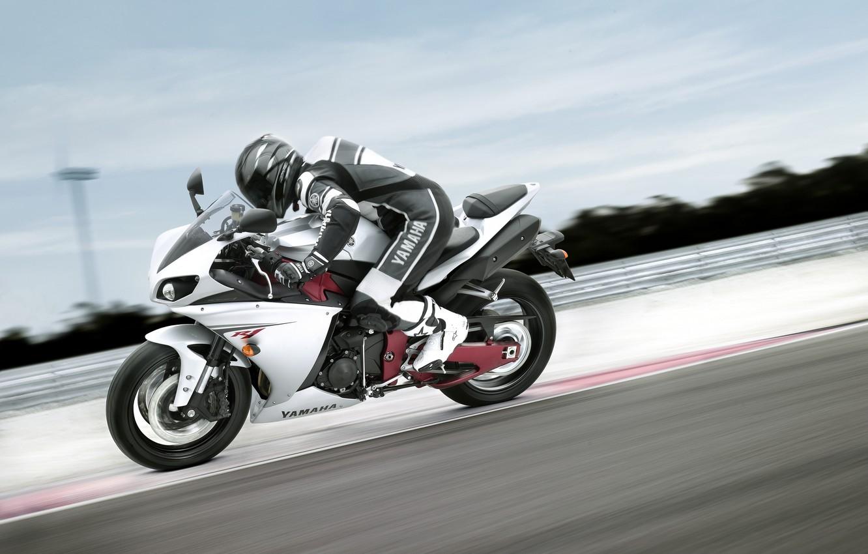 Фото обои обои, скорость, трасса, мотоцикл, wallpaper, байк, yamaha, гонщик, едет, ямаха