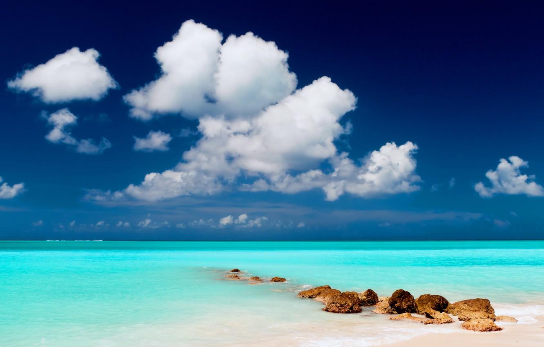 Фото обои песок, море, пляж, небо, вода, облака, пейзаж, тучи, природа, камни, океан, берег, остров, горизонт