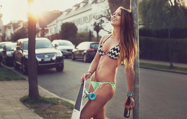 devushki-bikini-foto-krasivie-na-rabochiy-stol