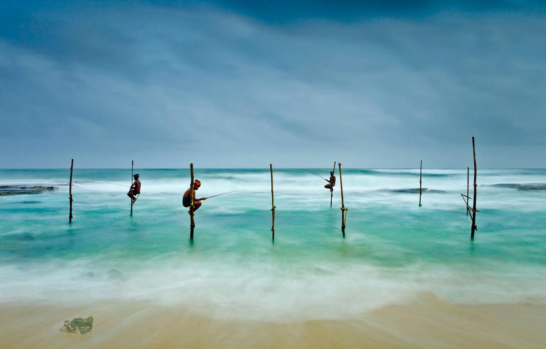 Обои Коггала, рыбаки на ходулях, Шри-ланка. Пейзажи foto 6