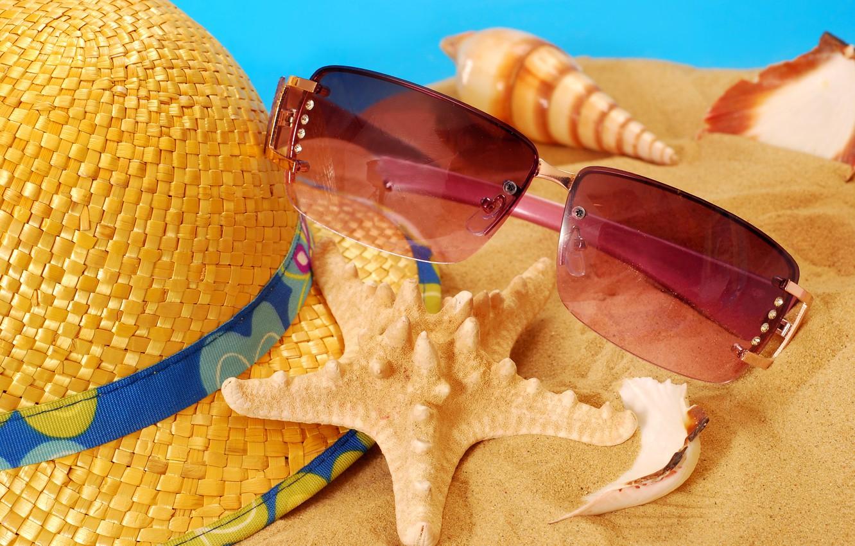 Фото обои песок, пляж, лето, шляпа, очки, ракушки, summer, beach, sand, vacation, starfish, accessories, seashells