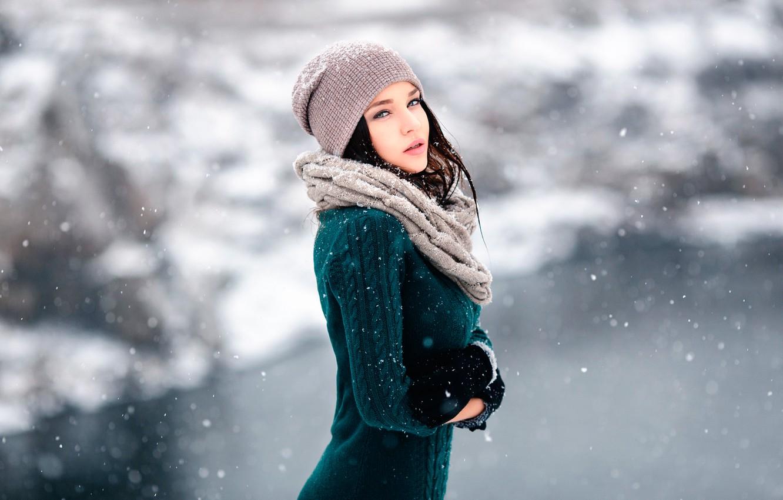 Фото обои снег, ветер, перчатки, шапочка, Winter is coming, Ангелина Петрова, Денис Петров