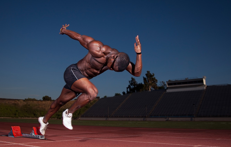 Фото обои старт, мышцы, бегун, стадион, атлет, бицепс