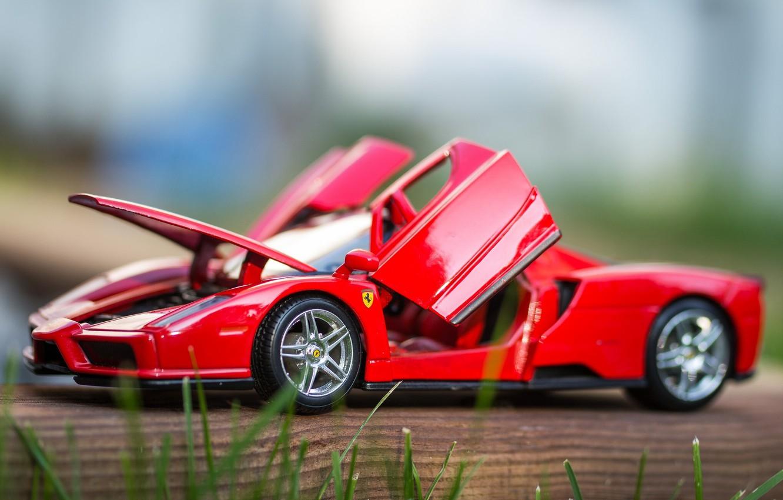 Фото обои макро, игрушка, машинка, Ferrari Enzo, моделька