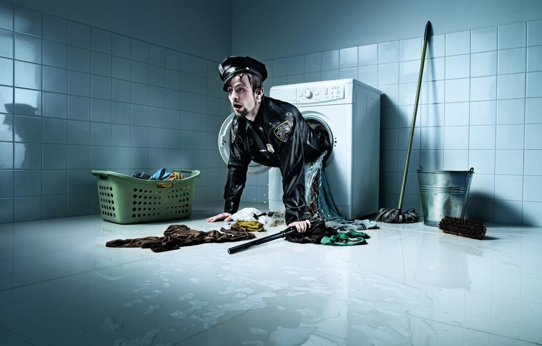 Фото обои вещи, ведро, police, стирка, швабра, полицейский, стиральная машина