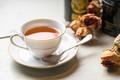 Картинка чай, розы, ложка, чашка, напиток