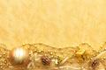 Картинка золото, обои, игрушки, новый год, шишки, ленточки, цепочки