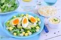 Картинка авокадо, яйцо, салат, лук
