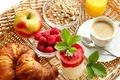 Картинка круассаны, raspberry, яблоко, малина, Coffee, коктейль, мюсли, кофе, apple, сок, baking, Juice