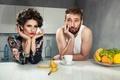 Картинка завтрак, пара, кухня, фрукты, банан, муж, жена