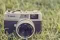 Картинка canon, трава, фотоаппарат, камера