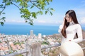 Картинка улыбка, азиатка, прогулка, панорама, лицо, город, волосы