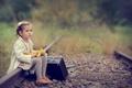 Картинка девочка, игрушка, грусть, рельсы, чемодан