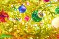 Картинка шарики, гирлянда, краски, отражение, праздник, ветви, игрушки, ёлка, отблески, яркость, цвета, огоньки, новый год, блики