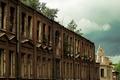 Картинка темное небо, старое здание, заброшенный дом, город, заброшенное помещение, city, заброшенное здание, house