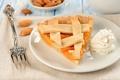 Картинка сливки, выпечка, десерт, вилка, миндаль, тарелка, абрикос, еда, пирог, начинка