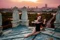Картинка рыжеволосая девушка, Георгий Чернядьев, Melody of the Сity, скрипка, крыша, город