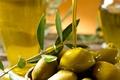 Картинка боке, оливки, ветка, масло