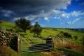 Картинка Ворота, поле, облака