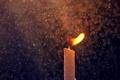 Картинка макро, свеча, капли, дождь, огонь