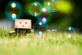 Картинка Danboard, danbo, box, robot, toy, трава, пузыри, grass, bubbles