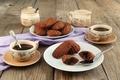 Картинка сладости, выпечка, печенье, ложки, кофе, чашки, шоколад, мадлен
