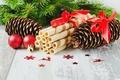 Картинка шарики, Новый Год, ель, праздники, десерт, зима, шишки, вафельные, трубочки, еда, Рождество, ветки
