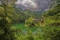 Картинка деревья, горы, озеро, остров, дома, Италия, Тоскана